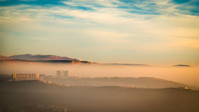 Tramonto nebbioso nella baia di Trieste Fotografia Stock Libera da Diritti