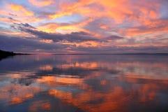 Tramonto nel lago Balaton fotografia stock libera da diritti