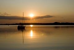 Tramonto nel lago Mamry Fotografia Stock Libera da Diritti