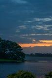 Tramonto nel lago Tissa, Tissamaharama, Sri Lanka Fotografia Stock