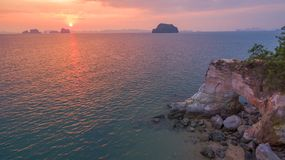 tramonto nel mare di Phang Nga Immagini Stock