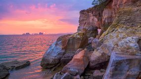 tramonto nel mare di Phang Nga Immagini Stock Libere da Diritti