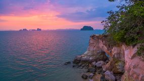 tramonto nel mare di Phang Nga Immagine Stock