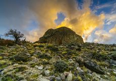 Tramonto nel parco nazionale Los Glaciares, vista della valle, del fiume e delle montagne Patagonia dell'Argentina dentro fotografia stock libera da diritti