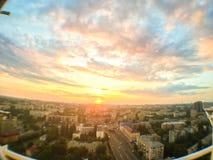 Tramonto nella città dall'altezza del tetto con fisheye Immagine Stock Libera da Diritti
