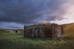 Tramonto nella steppa, un bello cielo con le nuvole, Platone Ukok, nessuno di sera intorno, Altai, Siberia, Russia Fotografia Stock Libera da Diritti