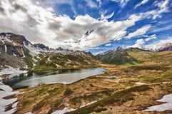 Tramonto nelle montagne Fotografie Stock Libere da Diritti