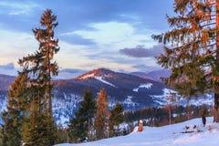 Tramonto nelle montagne Fotografie Stock