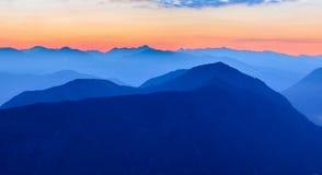 Tramonto nelle montagne Montagne delle alpi, di Orjen e di Lovcen di Dinaric, Montenegro Immagini Stock Libere da Diritti