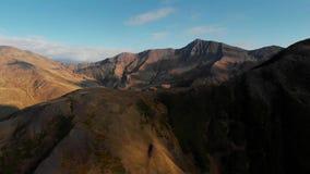 Tramonto nelle montagne Ridge di autunno ed in gola della natura di Georgia stock footage