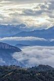Tramonto nuvoloso della montagna. L'Italia Fotografie Stock