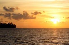 Tramonto o alba dall'oceano Fotografia Stock Libera da Diritti