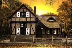 Tramonto olandese della casa di campagna fotografie stock