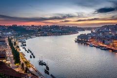 Tramonto a Oporto, Portogallo Fiume di Douro Immagini Stock Libere da Diritti
