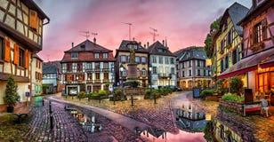 Tramonto piovoso nel villaggio di Ribeauville, Francia Fotografia Stock Libera da Diritti