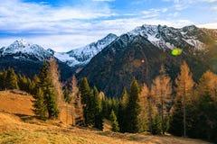 Tramonto recente in montagne Alpi paesaggio, Italia Immagine Stock