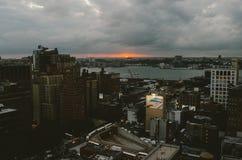 Tramonto recente sopra Hudson River fotografia stock