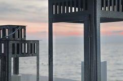 Tramonto romantico, vista dal terrazzo sul mare Fotografie Stock Libere da Diritti
