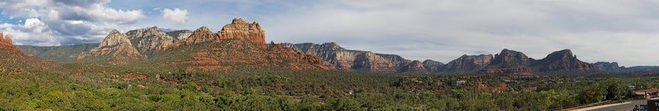 Tramonto rosso della roccia di panorama di Sedona fotografia stock