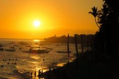 Tramonto sbalorditivo sul ` s Alona Beach, Filippine di Panglao Fotografia Stock