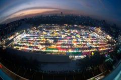 Tramonto scenico della vista aerea del mercato di notte di Bangkok Fotografie Stock