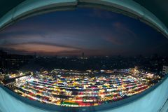 Tramonto scenico della vista aerea del mercato di notte di Bangkok Fotografia Stock Libera da Diritti