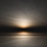 Tramonto scuro sopra il mare Fotografia Stock Libera da Diritti