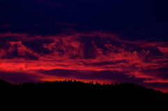 Tramonto selvaggio, Montana, sopra Sapphire Mountains Fotografie Stock Libere da Diritti