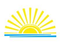 Tramonto sole giallo sopra il mare Vettore astrazione dell'isolato royalty illustrazione gratis