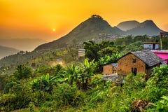 Tramonto sopra Bandipur nel Nepal immagine stock