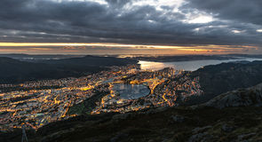 Tramonto sopra Bergen Immagine Stock