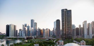 Tramonto sopra Chicago dal pilastro del blu marino Fotografia Stock Libera da Diritti