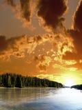 Tramonto sopra il fiume. Fotografia Stock Libera da Diritti