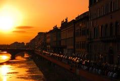 Tramonto sopra il fiume di Arno a Firenze Fotografia Stock Libera da Diritti