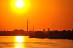 Tramonto sopra il fiume polacco Fotografie Stock