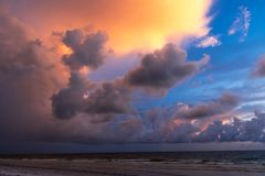 Tramonto sopra il golfo del Messico fotografia stock libera da diritti