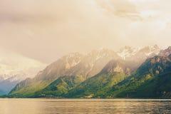 Tramonto sopra il lago Lemano Immagini Stock Libere da Diritti