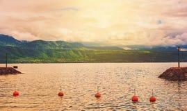 Tramonto sopra il lago Lemano Immagini Stock