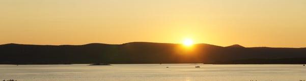 Tramonto sopra il mare in Na Moru, Croazia di Biograd fotografie stock libere da diritti