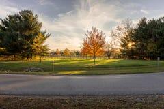 Tramonto sopra il parco della riva del fiume, Findlay, Ohio Immagine Stock