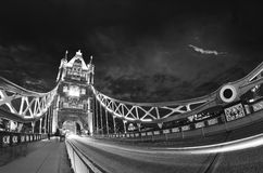 Tramonto sopra il ponte della torre - Londra Immagini Stock Libere da Diritti