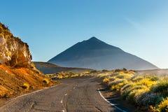 Tramonto sopra il vulcano di Teide in Tenerife, Spagna fotografie stock