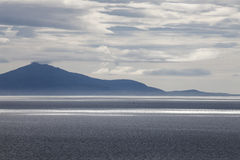 Tramonto sopra l'isola lontana, isola di Skye Fotografie Stock Libere da Diritti