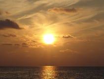 Tramonto sopra l'oceano Fotografie Stock