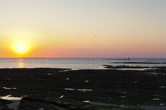 Tramonto sopra l'Oceano Atlantico sulla penisola di Guerande Fotografia Stock Libera da Diritti
