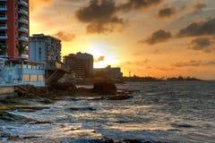 Tramonto sopra la linea costiera del Porto Rico Immagine Stock Libera da Diritti