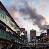 Tramonto sopra la stazione di Shinjuku Fotografia Stock