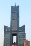 Tramonto sopra la torre del cielo di Tuntex Immagini Stock