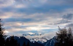 Tramonto sopra le alpi di inverno Immagini Stock Libere da Diritti