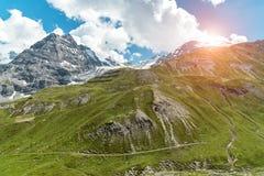 Tramonto sopra le alpi Passo Stelvio delle montagne Fotografia Stock